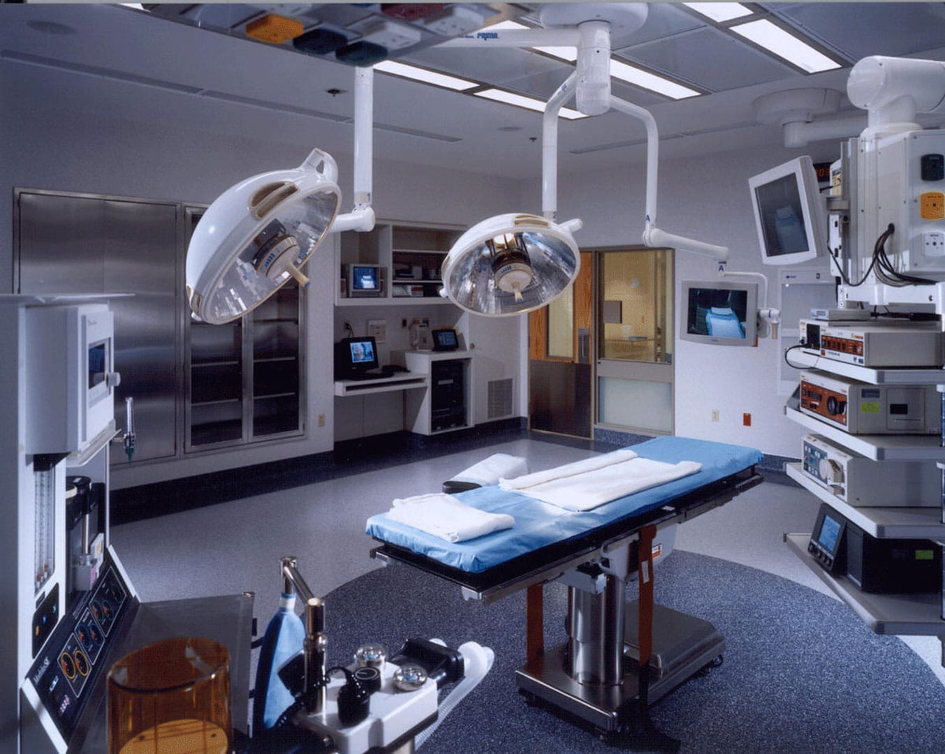 operating_room_pic2
